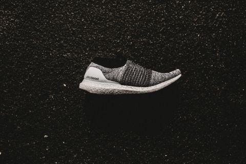 Adidas UltraBoost Laceless (Running White/Core Black)