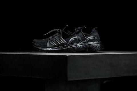 WMNS Adidas Ultraboost 19 - Core Black/Core Black/Solar Orange