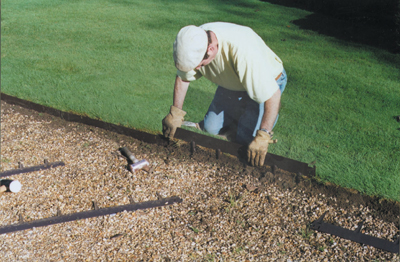 A man installs Everedge with ease