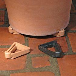 Black Pot Toes