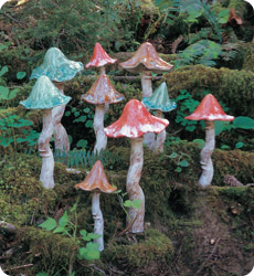 MEDIUM CERAMIC TIPPY TOADSTOOLS