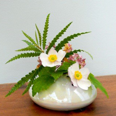 White Pearl Posey Pot