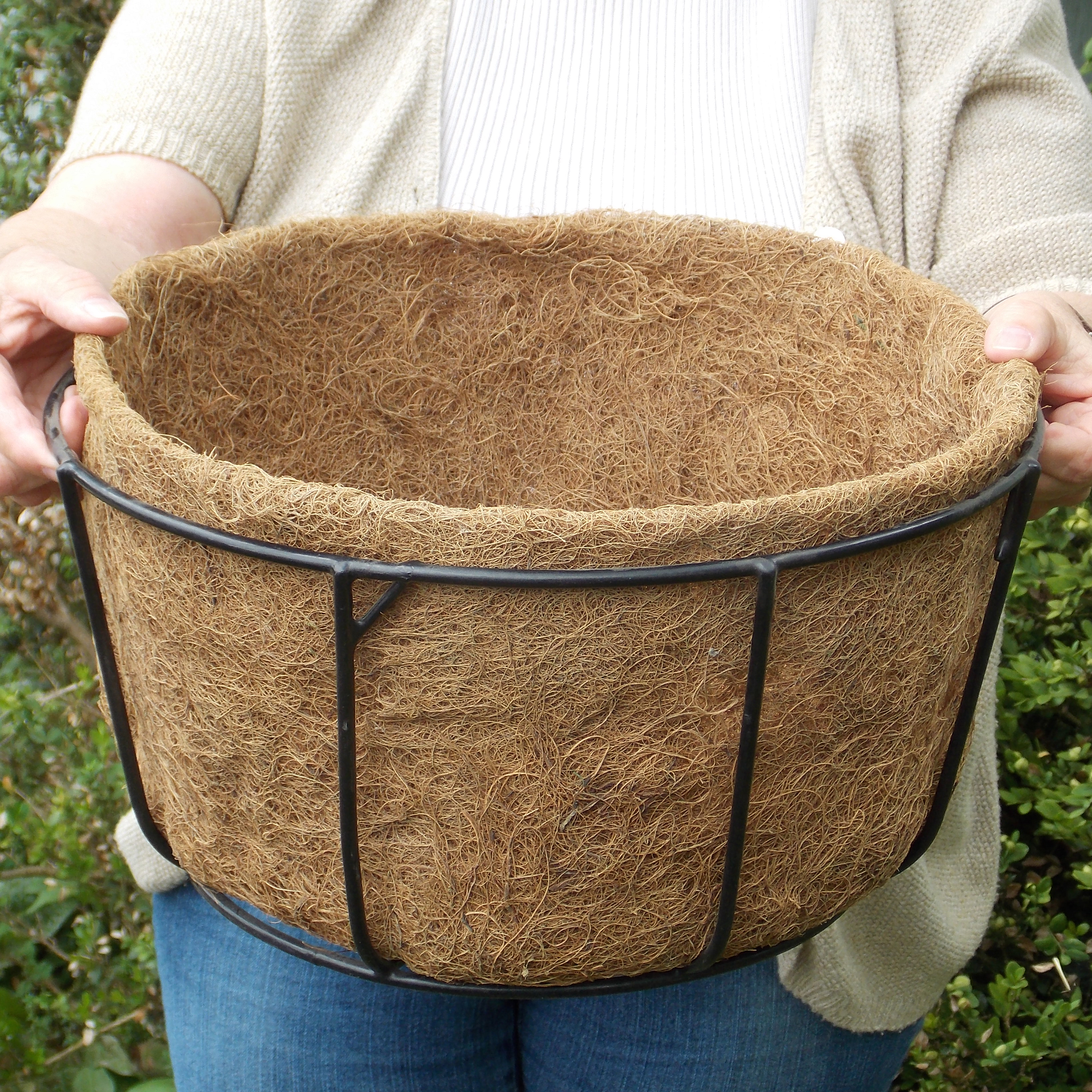 CASE/10 14 SINGLE BASIC BASKET PLANTER LINER (NO HOLES)