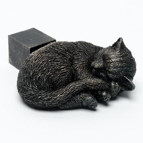 Sleeping Cat Pot Feet (set of 3) -Antique Bronze