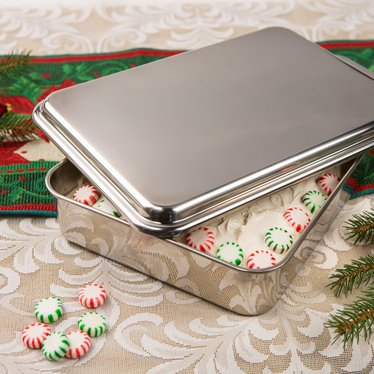Stainless Steel Cake Pan With Lid