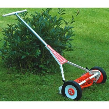 "Clipper USA 19"" Reel Mower"