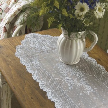 Floret Lace Table Runners