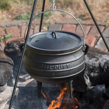 3-Legged Cast Iron Kettles