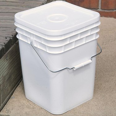 4 Gallon Plastic Buckets With Lids 5 Pack Storage And