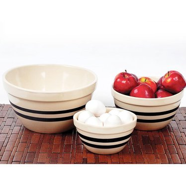 USA-Made Stoneware Shoulder Bowls