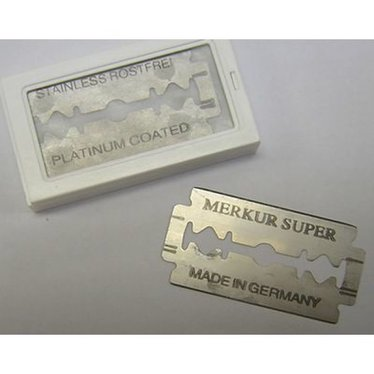 Double-Edged Blades for Safety Shaving Razor