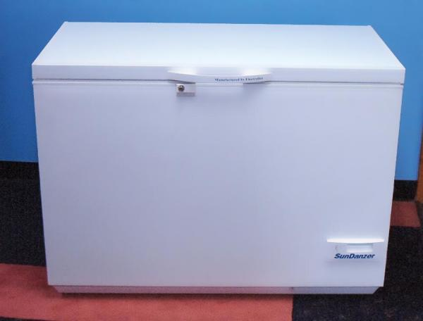 SunDanzer DC 8 cu ft Freezer