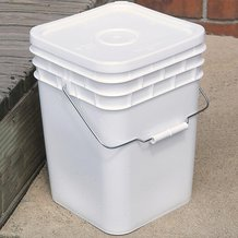 4-Gallon Plastic Buckets with Lids - 5 Pack