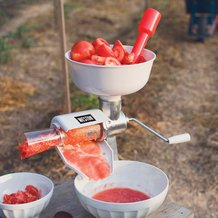 Weston Roma Tomato Press and Sauce Maker