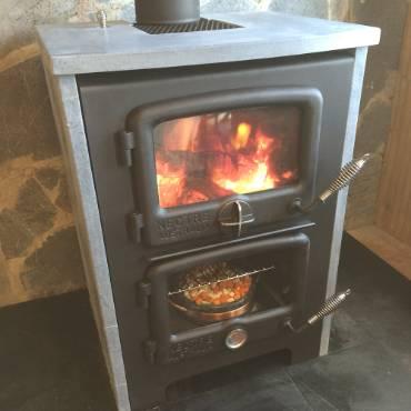 "The Vermont Bun Baker 650 Wood Cookstove with 1.25"" Soapstone Veneer"