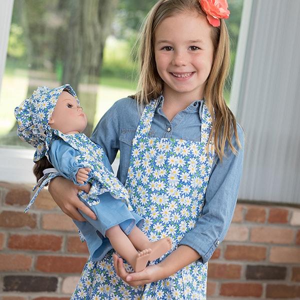Eli & Mattie Children's Apron – Blue Floral