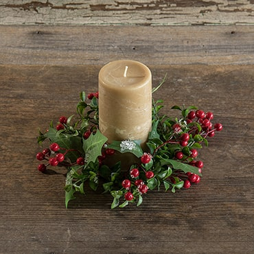 Berry and Holly Candle Ring