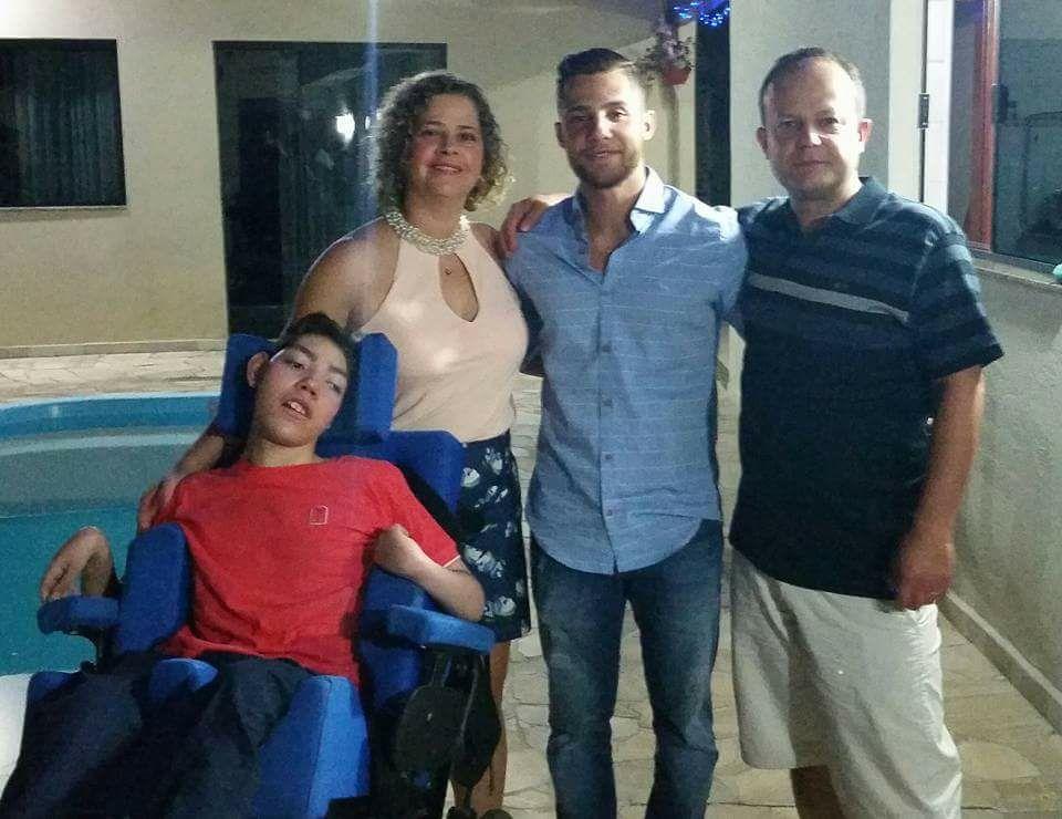 gustavo e familia