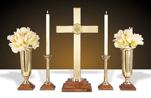 "24"" Wood/Brass Altar Set"