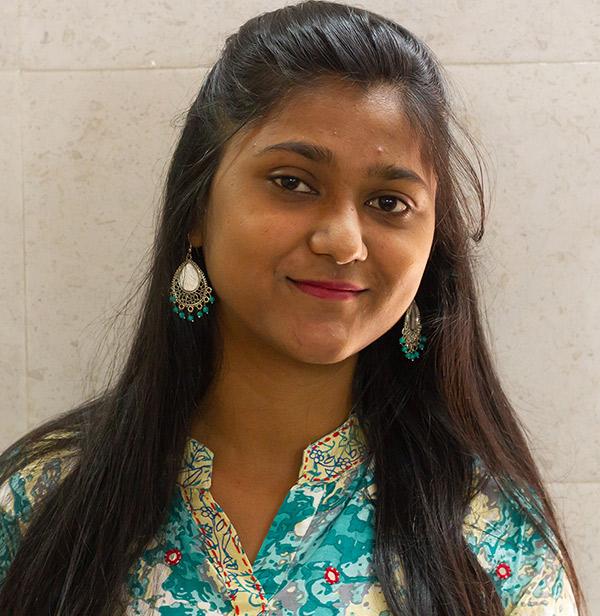 Portrait photo of Roopa Sharma