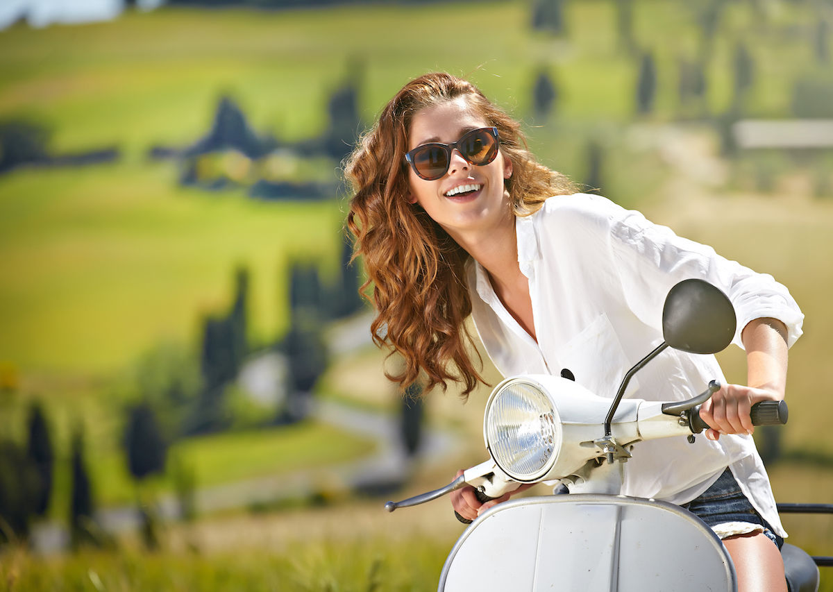 Travel in Italy by scooter or Vespa