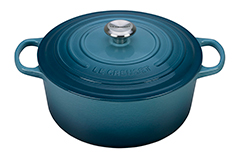 Le Creuset Signature Cast Iron 7 1/4 qt. Round Dutch Oven - Marine