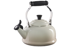 Le Creuset Classic Whistling Tea Kettle - Meringue