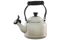 Le Creuset Demi Tea Kettle - Meringue