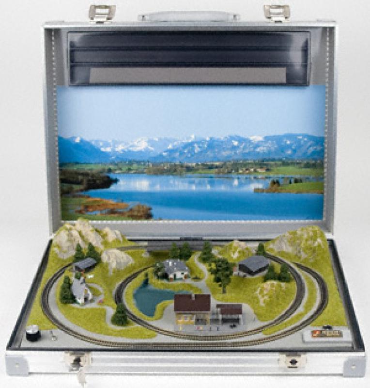 Reutte Z Scale Briefcase Layout