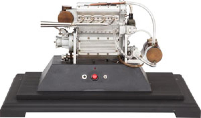 SCALE MODEL OFFENHAUSER MIDGET RACER ENGINE