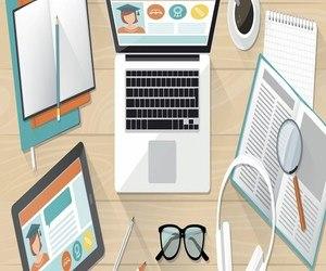كورسات في البرمجة وتصميم المواقع والتصميم الجرافيكي مجانا...