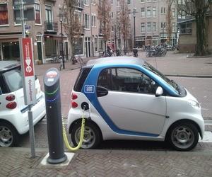 السيّارات الكهربائية ستبدأ بالوصول إلى المملكة بشكل رسمي ...