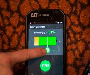 Cat S41 هاتف يستطيع شحن الهواتف الأخرى ويلتقط صور في المياه