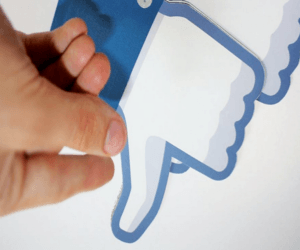 فيسبوك تختبر زر عدم الاعجاب Dislike على شبكتها الاجتماعية