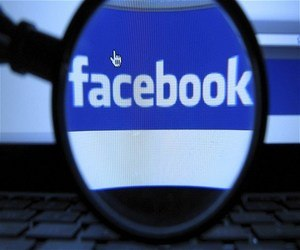 موظف في فيسبوك يؤكد أن الشركة تستطيع تتبع موقع المستخدمين