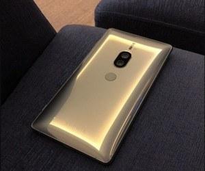 صورة مسربة واقعية تستعرض لنا النسخة الذهبية من الهاتف Xpe...