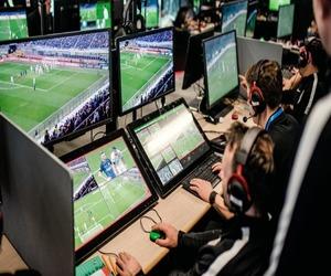 كيفية عمل تقنية الـ VAR المعتمدة في كأس العالم 2018