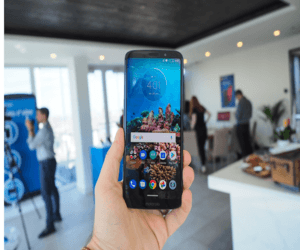 نظرة على هاتف موتورولا الجديد Moto Z3 Play