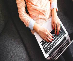 آبل توفر إصلاح مجاني لمن يعانون من مشكلة لوحة المفاتيح في...