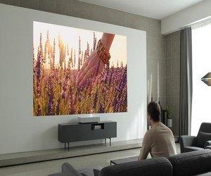 LG تزيح الستار رسميًا عن البروجكتور LG CineBeam Laser 4K