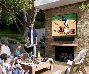 تلفاز Samsung Terrace TV الجديد مصمم ليتم إستخدامه خارج ا...