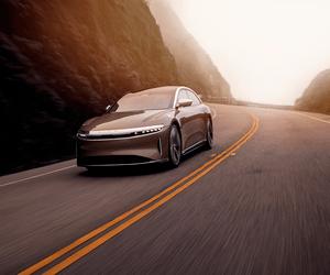 Lucid Motors تكشف النقاب عن سيارتها الكهربائية الأول...