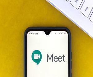 جوجل تأتي بميزة إزالة الضوضاء على تطبيقها Meet في أن...