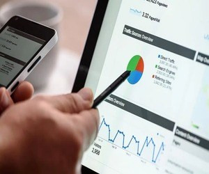Cloudflare تطلق منافسًا مجانيًا لخدمة Google Analytics