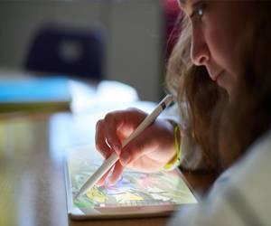 الإصدارات المستقبلية من Apple Pencil قد تأتي مع شاشة...