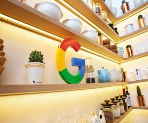 منتجات جوجل تستخدم الآن موادًا معاد تدويرها