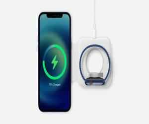 هاتف iPhone 12 لديه دعم غير نشط للشحن اللاسلكي العكسي