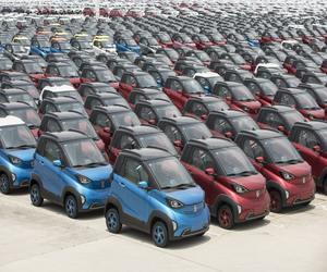 السيارات الكهربائية والهجينة ستشكل 20% من مبيعات الس...