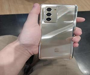 سامسونج تقدم هاتف W21 بملامح تصميم GALAXY Z FOLD 2 م...