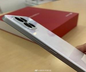 الهاتف Huawei Nova 8 SE يبتسم للكاميرا قبيل الإعلان ...